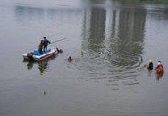 Tắm sông Hồng, 2 học sinh lớp 8 chết thảm