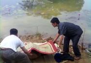 Phát hiện xác chết lõa thể trên mặt hồ