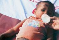 Bé 10 tháng tuổi sống sót kỳ diệu trong vụ sập nhà kinh hoàng