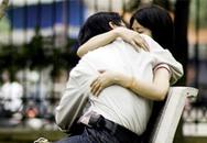 Thiếu nữ nhét túi ni lông vào 'cô bé' để tránh thai