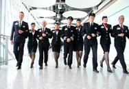 """Tiếp viên hàng không chỉ """"ôm"""" phi công mà... có bầu"""