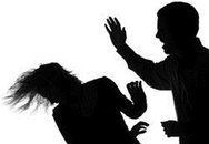 Chồng tát vợ ngay trước mặt nhân tình