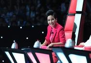 Mỹ Linh lại chưng mốt lạ trên ghế nóng The Voice