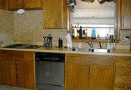 Ngắm phòng bếp cũ trở nên rạng ngời sau trang hoàng
