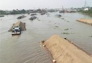 Tai nạn kinh hoàng, sà lan đụng sập 44 căn nhà