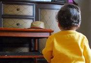Bé 5 tuổi gãy tay do tivi rơi