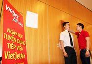 """""""Ngộp thở"""" quy trình tuyển tiếp viên của hàng không Việt"""