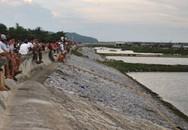 Hỗn chiến kinh hoàng trên sông, 11 người mất tích và trọng thương