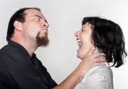 Cả nhà ngồi xem chồng đánh tôi