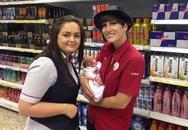 Sinh con ngay trong khi đi siêu thị