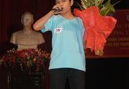Quang Anh biểu diễn xúc động tại quê nhà