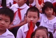 Bé khiếm thính 6 tuổi trọ học một mình ở Thủ đô