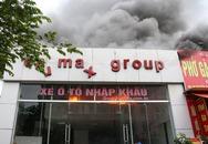 Cả phố náo loạn vì cháy showroom ôtô