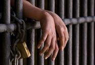 """Bị tuyên phạt 298 năm tù cho 894 lần """"mây mưa"""" khi ngoại tình"""