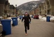 Chàng trai chạy bộ 19.000 km xuyên quốc gia bằng đôi chân trần