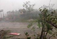 """Cơn bão mạnh hiếm thấy đang """"càn quét"""" miền Trung"""
