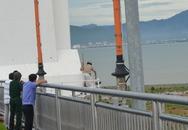 Kinh hoàng một người đàn ông treo cổ trên cầu Thuận Phước