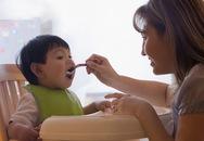 Mẹ Pháp cho con ăn: Lạ đời mà hay lắm!