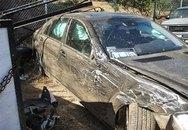 Mercedes lao xuống vực, 3 người chết thảm