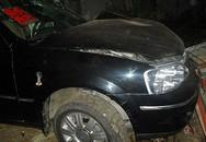 Ô tô gây tai nạn, 2 người chết thảm
