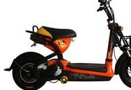 """""""Cắm"""" xe đạp điện để rủ bạn gái 13 tuổi vào nhà nghỉ"""