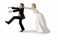 """Cô dâu lộ ảnh """"nóng"""", ngày kết hôn thành ngày ly dị"""