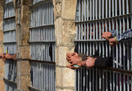Cuộc sống khiếp đảm của nô lệ tình dục bên trong nhà tù IS