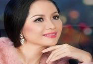 Hoa hậu Thiên Nga khoe nét đằm thắm