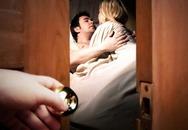 Chị dâu ngủ với nhân tình ngay trong đám tang chồng