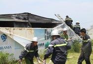 Cháy kho vật tư gần Khách sạn Furama