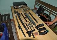 Phát hiện nhiều vũ khí trong quán nhậu