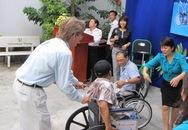 USAID hỗ trợ y tế và trao xe lăn cho người khuyết tật Đà Nẵng