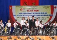 Tặng 200 xe đạp cho học sinh nghèo vượt khó