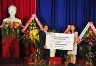 Trao học bổng cho sinh viên ĐH Đà Nẵng  trong ngày khai giảng