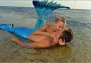 """Ngưỡng mộ tình yêu đẹp như mơ của cặp đôi """"người cá"""""""