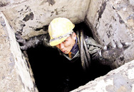 Lãnh đạo lương tiền tỷ, công nhân móc cống tủi phận