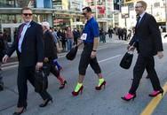 Bật cười với hình ảnh những người đàn ông đi giày cao gót xuống phố