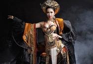 Thúy Ngân nóng bỏng trong trang phục truyền thống