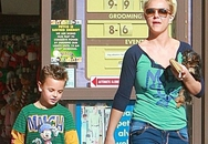 Em trai chồng cũ nhận là bố của con Britney