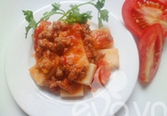 Ngon miệng dừa sốt cà chua thịt băm