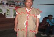 Choáng với độ siêu bền của áo làm từ vỏ cây ở VN