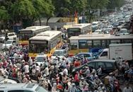 Khách Tây khiếp đảm vì giao thông Hà Nội