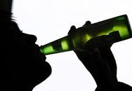 Bị trộm Iphone vì say rượu, ngủ trên xe máy