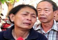 Đẫm nước mắt chờ nhận xác con sau vụ tai nạn thảm khốc