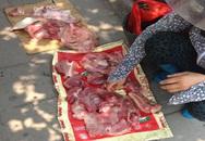 """Kinh hoàng """"chợ"""" thịt chân cầu Thăng Long"""