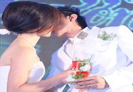 Đan Trường hôn cô dâu nồng cháy trong tiệc cưới lãng mạn