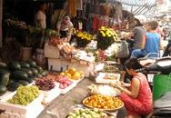 Rằm tháng 7: Đắt từ thịt, rau đến hoa quả