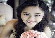 Con gái xinh đẹp của nghệ sĩ Hồng Vân làm cô dâu ở tuổi 19