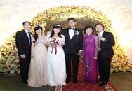 Đám cưới quậy tưng bừng của hot girl Sao Mai