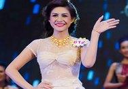 Nữ hoàng Trang sức gặp sự cố lộ ngực trước lúc đăng quang
